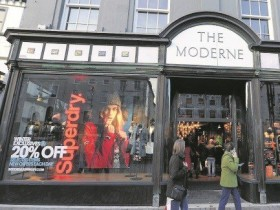 Superdry sign