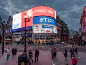 Piccadilly circus 4